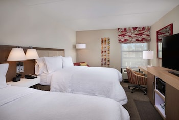 Room, 2 Queen Beds, Refrigerator & Microwave, Pool View