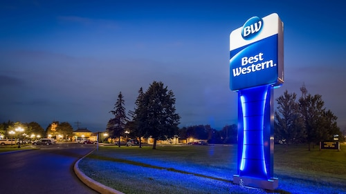 . Best Western Parkway Inn & Conference Centre