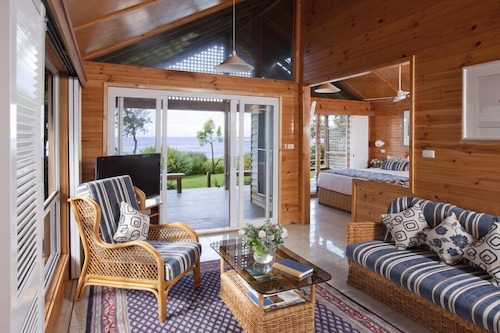 Kims Beachside Retreat, Wyong - South and West