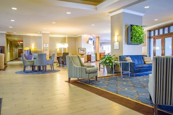 Lobby Lounge at Sheraton Tampa Riverwalk Hotel in Tampa