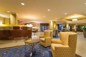 Lobby Sitting Area at Sheraton Tampa Riverwalk Hotel in Tampa