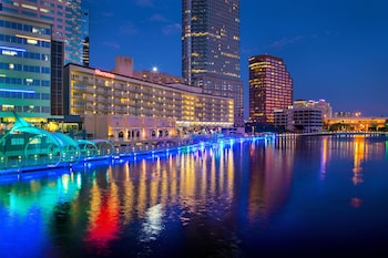 坦帕河濱喜來登飯店 Sheraton Tampa Riverwalk Hotel