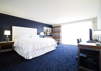 Club Room, 2 Double Beds, Business Lounge Access, City View