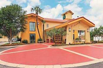 聖安東尼奧拉克蘭溫德姆拉昆塔飯店 La Quinta Inn by Wyndham San Antonio Lackland