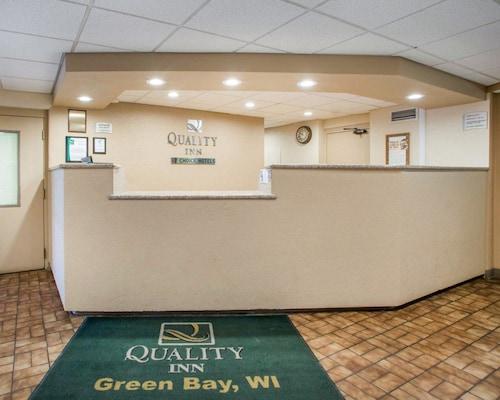 Quality Inn Stadium Area, Brown