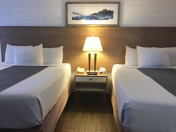Guestroom at San Diego Downtown Lodge in San Diego