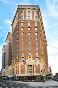 Marriott Syracuse Downtown photo