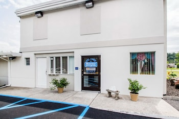 Hotel - Rodeway Inn & Suites New Paltz - Hudson Valley