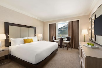 Fairmont Gold, Room, Lake View