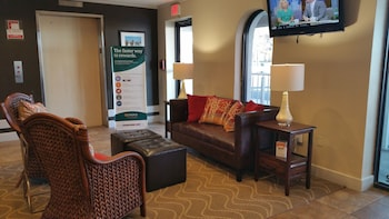 Lobby Sitting Area at Quality Inn & Suites Oceanblock in Ocean City