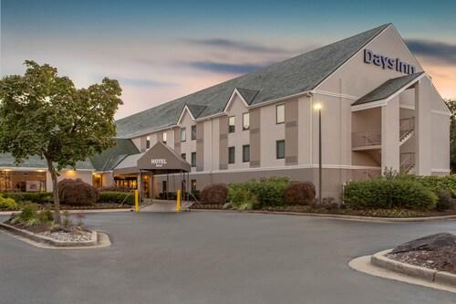. Days Inn by Wyndham Lanham Washington D.C