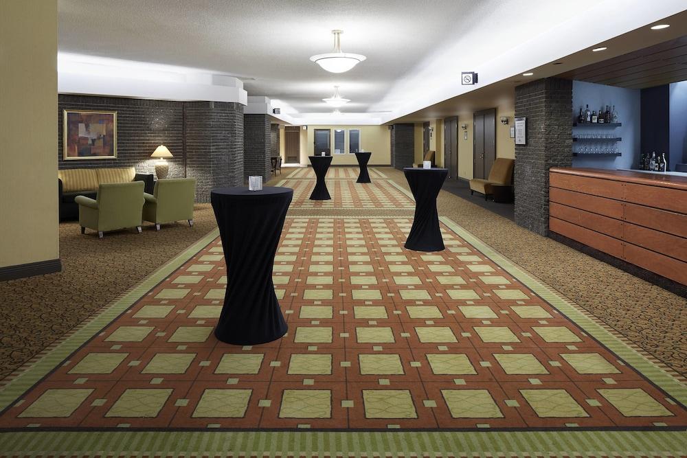 https://i.travelapi.com/hotels/1000000/30000/22600/22531/39c4631e_z.jpg