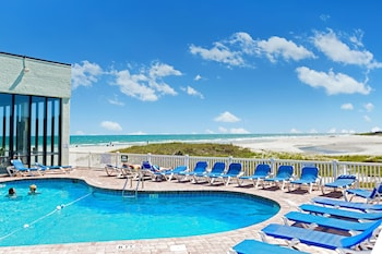 沙灘俱樂部度假飯店 Sands Beach Club Resort
