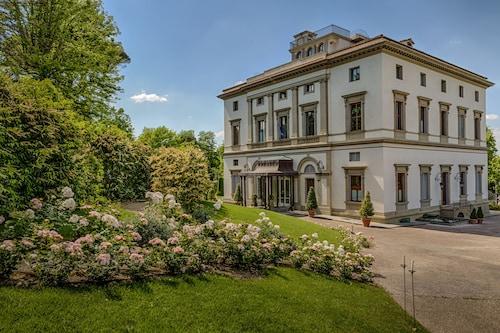 . Villa Cora