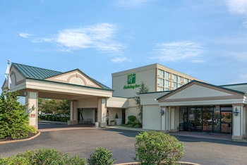 Exterior at Holiday Inn Philadelphia-Cherry Hill in Cherry Hill