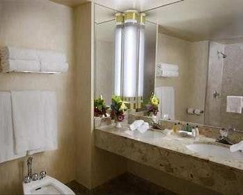 Room, 2 Queen Beds, Tower