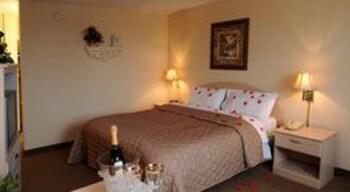 Honeymoon Room, 1 King Bed, Hot Tub