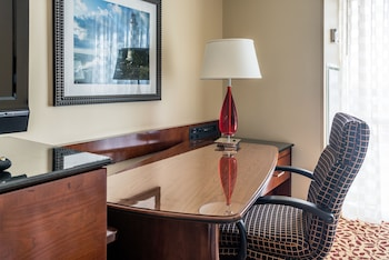 Concierge Room, Room, 1 King Bed with Sofa bed, Business Lounge Access