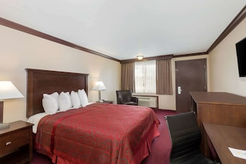 Room, 1 Queen Bed, Non Smoking (Upgraded)