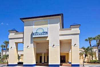 Book Days Inn Orlando Airport Florida Mall in Orlando.