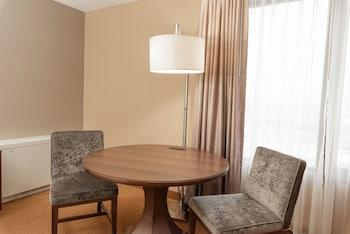 Executive Room, 1 King Bed, Corner (Executive Level)