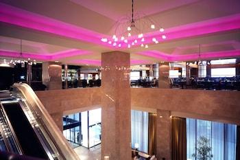 SHERATON MIYAKO HOTEL OSAKA Lobby