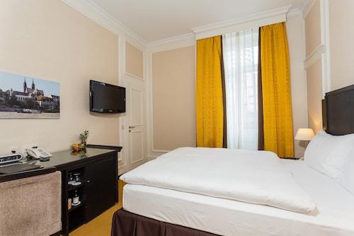 Bazylea - Hotel Euler - z Wrocławia, 8 kwietnia 2021, 3 noce