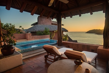 Oceanfront Master Pool Suite