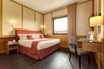 Comfort Room, 1 King Bed (1 extra bed;Twin bed on request)