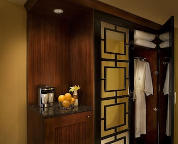 Presidential Suite, 1 King Bed, Accessible (Mobility, Roll-In Shower)