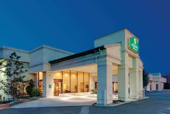 Hotel - La Quinta Inn & Suites by Wyndham Fairfield NJ