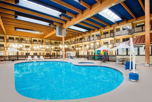 . Ramada Plaza & Conference Center by Wyndham Gillette
