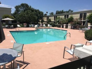 Holiday Inn Lumberton - Outdoor Pool  - #0