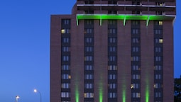 Holiday Inn Winnipeg-Airport West, an IHG Hotel