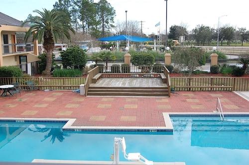 Days Inn by Wyndham Baton Rouge South, East Baton Rouge