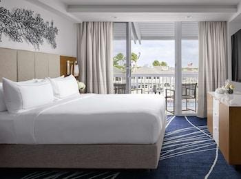Room, 1 King Bed, Balcony (Intracoastal View)