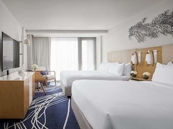 Room, 2 Double Beds, Balcony (High Floor, Water View)