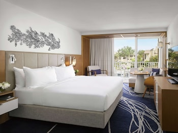 Room, 1 King Bed, Balcony, Marina View