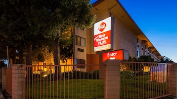 Hotel - Best Western Plus Inn of Hayward