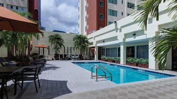 Holiday Inn Port of Miami - Downtown - Pool