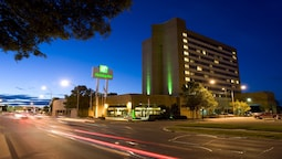 Holiday Inn Winnipeg South, an IHG Hotel
