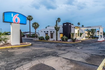 Motel 6 Tucson Airport photo