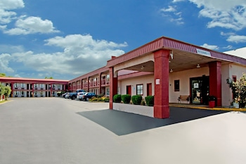 Americas Best Value Inn Canton, MS photo