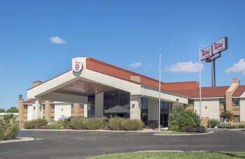 Hotel - Red Roof Inn & Suites Cincinnati North - Mason