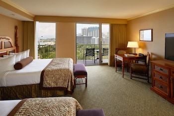 Room, Multiple Beds, Ocean View, Tower (Pacific)