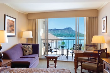 Club Room, 1 King Bed with Sofa bed, Ocean View (Diamond Head)