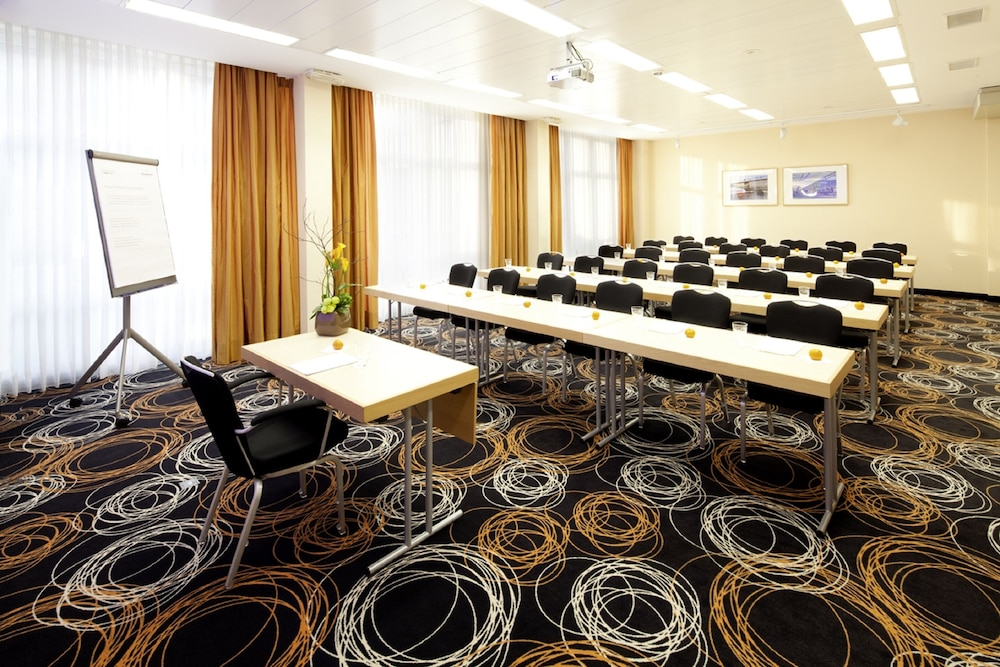 Moevenpick Hotel Nuernberg Airport | Classic Vacations