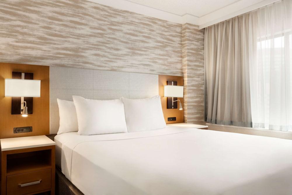 Room, 2 Queen Beds, Non Smoking (High Floor)