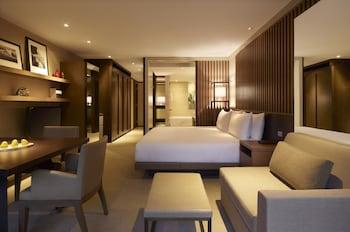 Guestroom at Park Hyatt Sydney in The Rocks