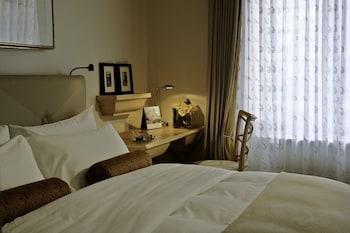 California Room, 1 King Bed